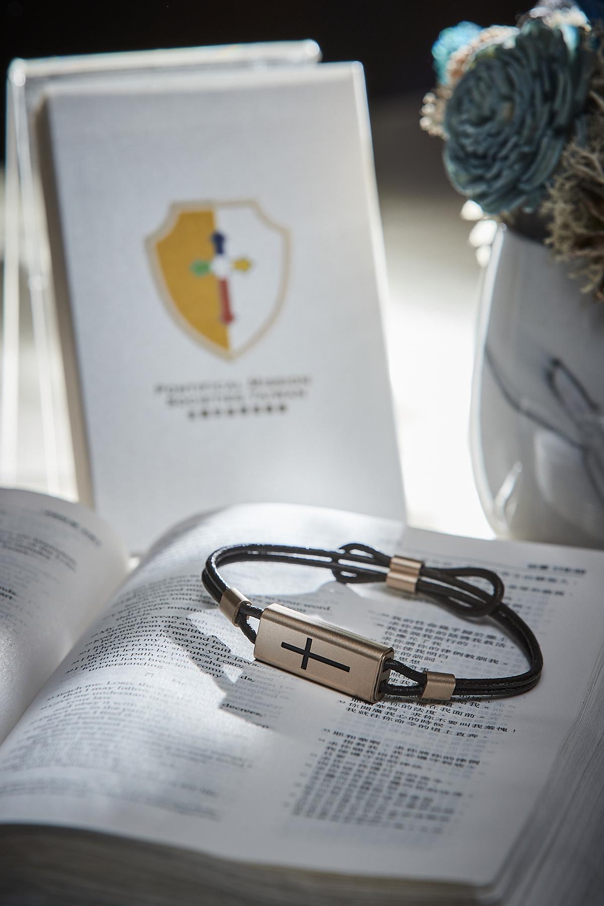 酷碁、一卡通及天主教宗座傳信善會三方跨界 發表「易付十字手鍊」搶攻穿戴裝置商機